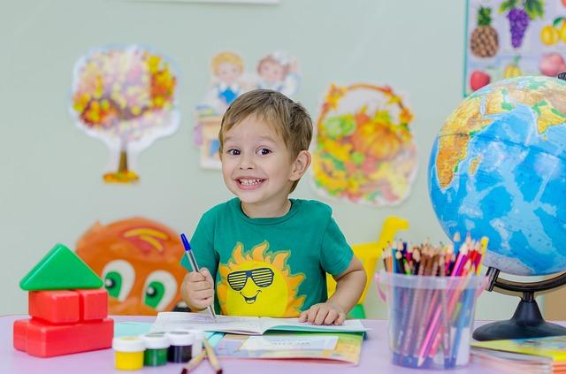 Jak pomagać dziecku w nauce? Jak przygotować je do szkoły?