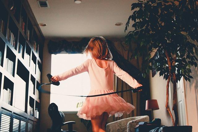 Jak zachęcić dziecko do pomagania w domu?