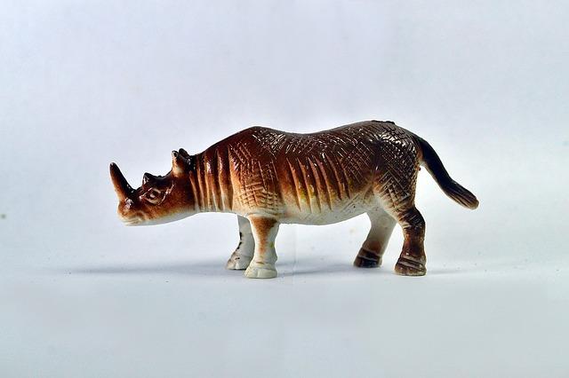 zabawka nosorożec
