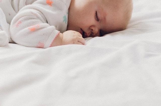 Jaka pościel najlepsza dla dziecka? Czym kierować się przy wyborze pościeli dla noworodka i dla starszego dziecka?