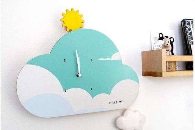 Zegar chmura w pokoju dziecka
