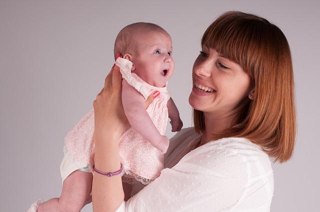 mama z niemowlęciem